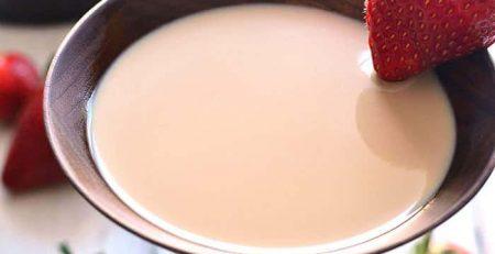کوکتل توت فرنگی شکلات